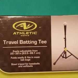 Travel batting tee